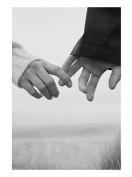 holding-hands-pictures-875